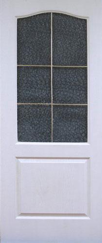 Грунтованная дверь со стеклом